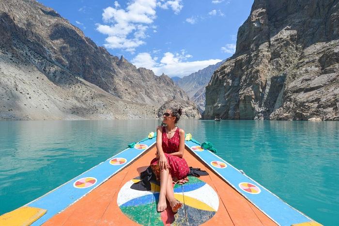 Hunza-valley attabad lake, hunza darbar hotel, hunza valley hotels
